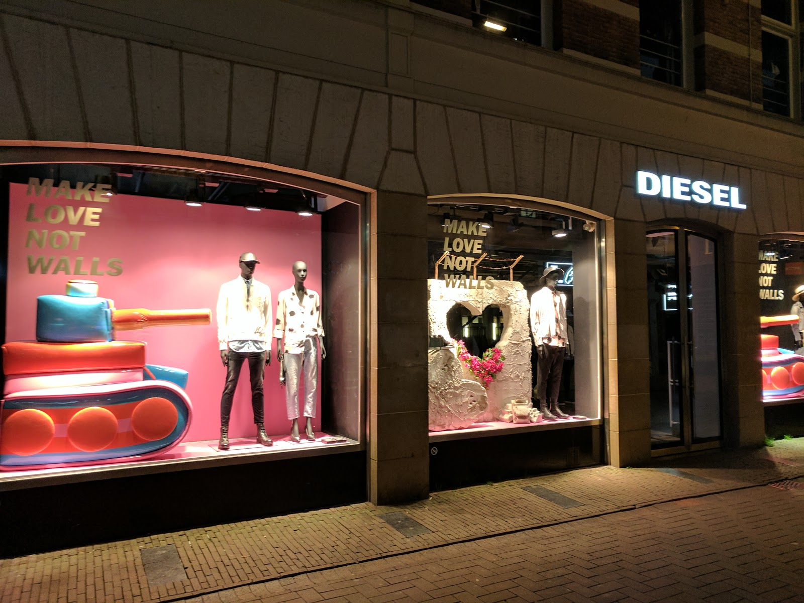 Diesel Store Amsterdam accepteert American Express Credit Cards