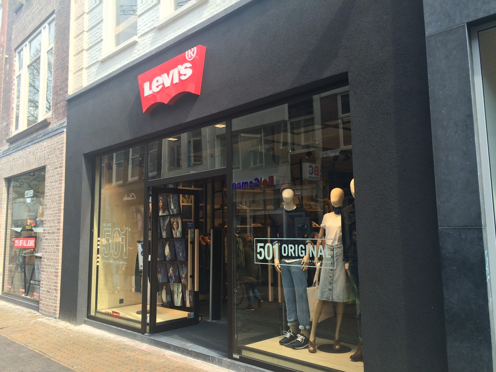 Levi's Store Amsterdam accepteert American Express Credit Cards