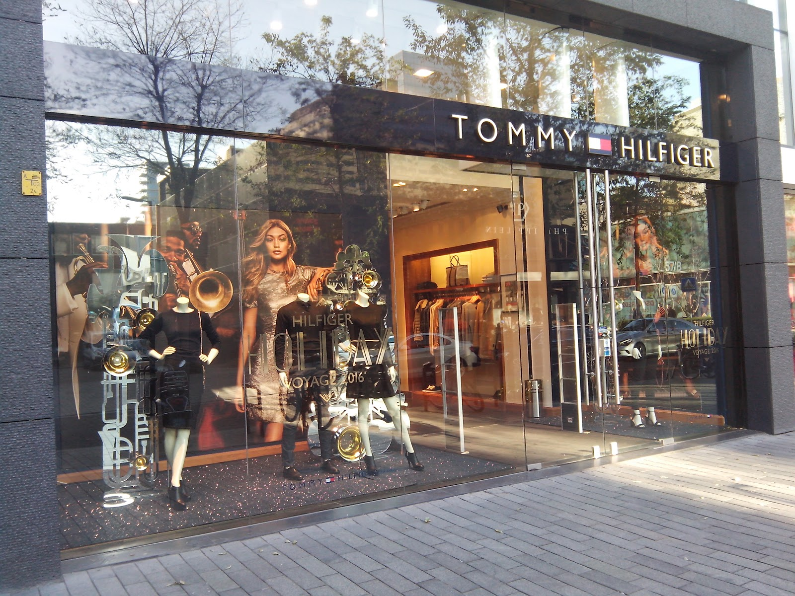 Tommy Hilfiger Store Rotterdam accepteert American Express Credit Cards